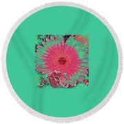 Red And Green Bloom Round Beach Towel