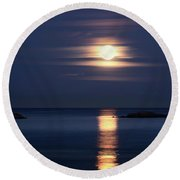 Red Full Harvest Moon Rising Above Pacific Ocean In Autumn Round Beach Towel