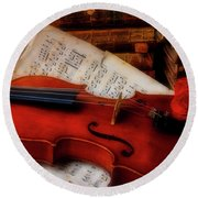Red Rose And Violin With Sheet Music Round Beach Towel