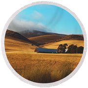 Rolling Hills Of California Round Beach Towel