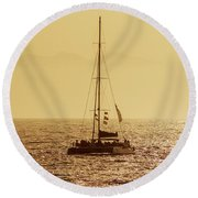 Sailing In The Sunlight Round Beach Towel