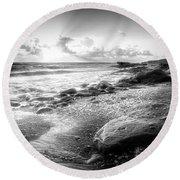 Seashells On The Seashore In Black And White Round Beach Towel