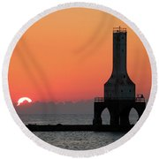 September Sunrise In Port Washington 1 Round Beach Towel