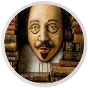Shakespeare With Old Books Round Beach Towel