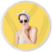 Smiling Pin-up Girl Round Beach Towel