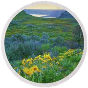 Steamboat Rock 01 Round Beach Towel