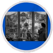 Steampunk Dreams In Black And White Round Beach Towel