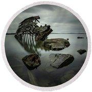 Sturgeon Bay Shipwreck In November Gloom Round Beach Towel