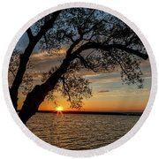 Sunset At Breitbeck Park Round Beach Towel by Rod Best