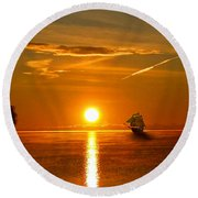 Tall Ships Of The Caribbean Round Beach Towel