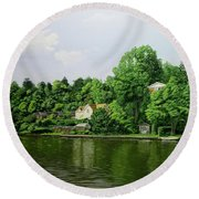 Thames At Reading Round Beach Towel