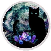 The Cat With Aquamarine Eyes And Celestial Crystals Round Beach Towel