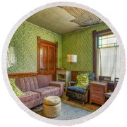 The Old Farmhouse Living Room Round Beach Towel