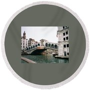 The Rialto Bridge  Round Beach Towel