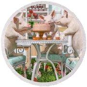 Three Little Pigs And The Birthday Cake Round Beach Towel