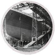 Titanic In Belfast Dry Dock 1911 Round Beach Towel