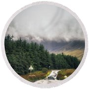 Towards The Fairy Pools Round Beach Towel