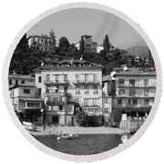 Town In The Shore Of Lake Como In Black And White Round Beach Towel