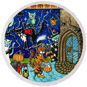 Trick Or Treat Halloween Cats Round Beach Towel