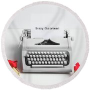Typewriter With Merry Christmas Text And Gifts Round Beach Towel