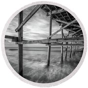Uner The Pier In Black And White Round Beach Towel