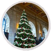 Union Station Decorates For Christmas In Kansas City Round Beach Towel