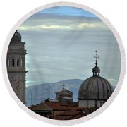 Venice Tower And Dome Round Beach Towel