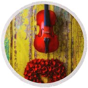 Violin And Heart Wreath Round Beach Towel