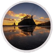 Washington Coast Weeping Lady Sunset Cloudscape Round Beach Towel