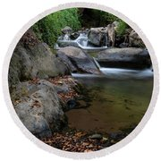 Water Stream On The River With Small Waterfalls Round Beach Towel