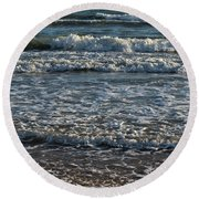 Waves Quietly Approaching Round Beach Towel