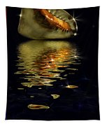 Conch Sparkling With Reflection Tapestry