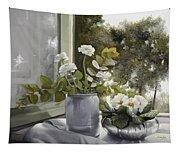 Fiori Bianchi Alla Finestra Tapestry