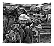 Guys Dogs Bench In Jackson Square - Bw Tapestry