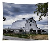 Nine Patch Quilt Barn Tapestry