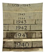 Singapore Cenotaph Monument Yearly Steps For World War Two Tapestry
