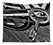 Sprocket And Chain - Black And White Tapestry
