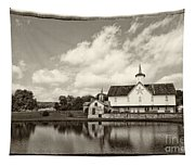 Star Barn Antiqued Tapestry