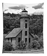 Grand Island Lighthouse Bw Tapestry