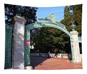 Uc Berkeley . Sproul Plaza . Sather Gate . 7d10039 Tapestry