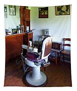 Barber - Old-fashioned Barber Chair Tapestry