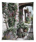 Le Rose Rampicanti Tapestry