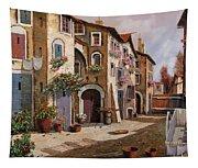 Ombre Per Strada Tapestry