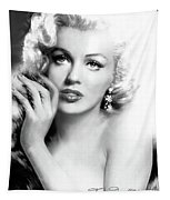 Diva Mm Bw Tapestry