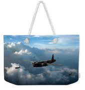 Vickers Wellingtons With 16 Otu Weekender Tote Bag