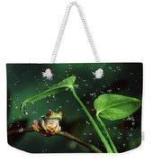 Red-eyed Tree Frog In The Rain Weekender Tote Bag
