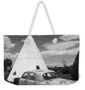 Route 66 Wigwam Motel And Classic Car Weekender Tote Bag