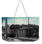 760 Train Engine Passing The Station Sc Textured Weekender Tote Bag