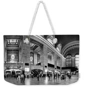 Black And White Pano Of Grand Central Station - Nyc Weekender Tote Bag by David Smith
