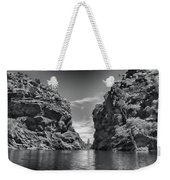 Glen Helen Gorge-outback Central Australia Black And White Weekender Tote Bag